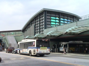Public Transit To & From LGA LaGuardia Airport & NYC Manhattan Queens | public transit to from NYC & LGA LaGuardia airport MTA subway Jackson Heights, Victor Moore Terminal, Public Transportation hub Jackson Heights Queens NY bus service Queens