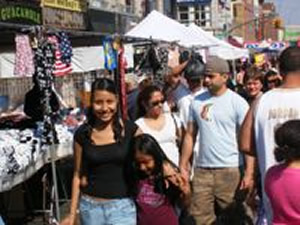 Queens Street Fairs - Street Festivals Queens NY | street fairs Things to do Shopping Out Doors Queens Astoria Sunnyside Woodside Jackson Heights Jamaica Forest Hills Street Fairs Festivals Astoria Sunnyside Woodside Jackson Heights Jamaica Forest Hills Queens street fairs NY shopping things to do outdoors