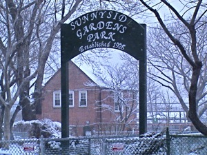 Sunnyside Gardens Park - Sunnyside Queens | sunnyside gardens park sunnyside queens ny clay tennis courts basketball hoops baseball field cooking out sunnyside ny picnic area events things to do sunnyside ny